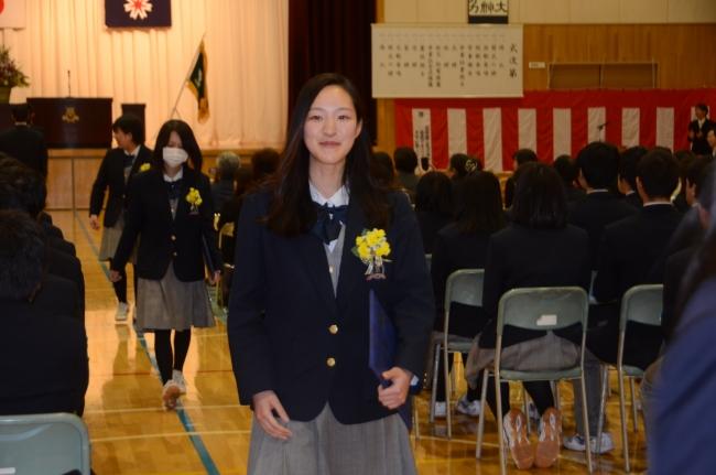プロサーファー宮坂さん 誇り胸に広尾高卒業 故郷千葉へ
