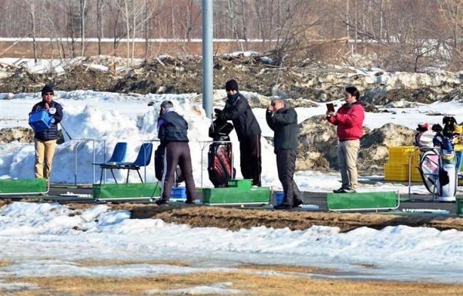 快音半年ぶり 被災の札内川ゴルフ場練習場