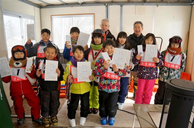 11人がタイム競う 上士幌町民スキー大回転大会