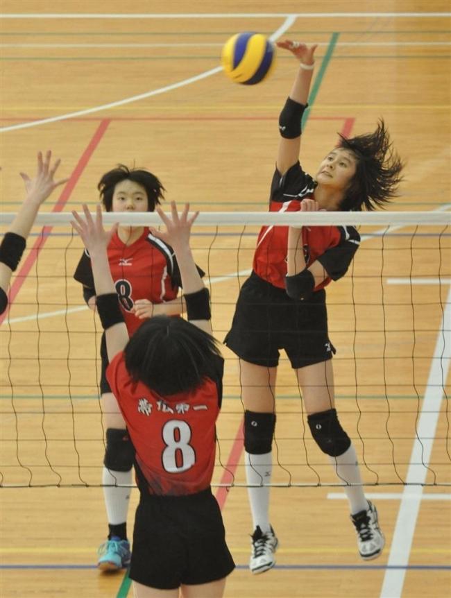 札内女子12年ぶりV おおさかスポーツ杯中学バレー