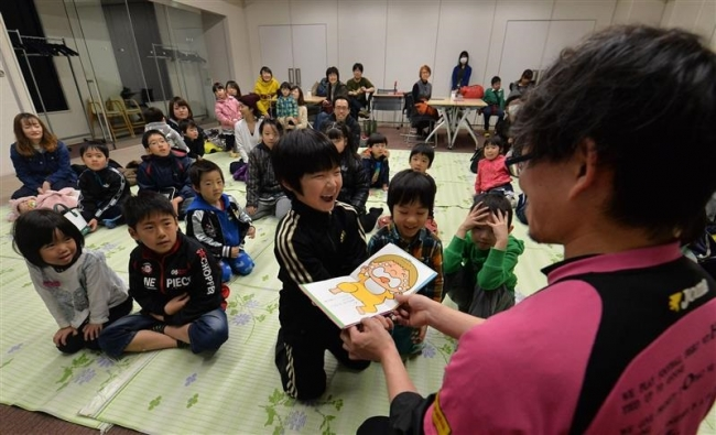 物語の世界に夢中 小川さんの読み聞かせイベント