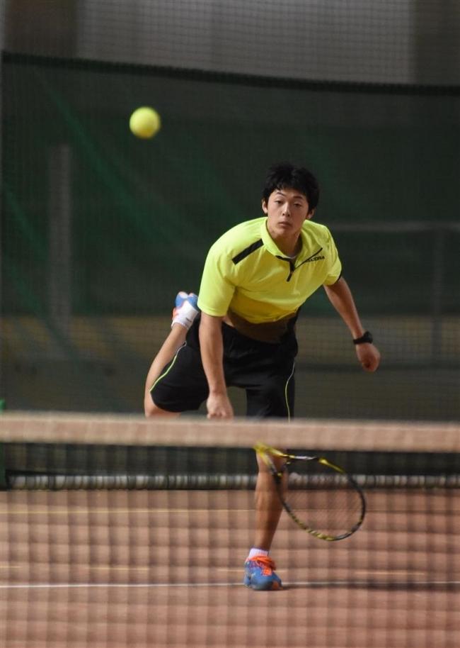 男子18歳以下窪田V宮本初優勝 全十勝室内Jr.単テニス