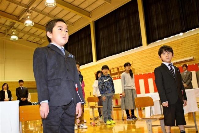 萩ケ岡小で最後の入学式 上士幌