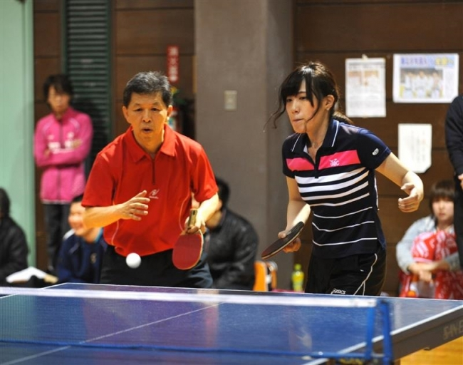 団体A3年ぶりジャンクV 春季帯広男女混合卓球大会