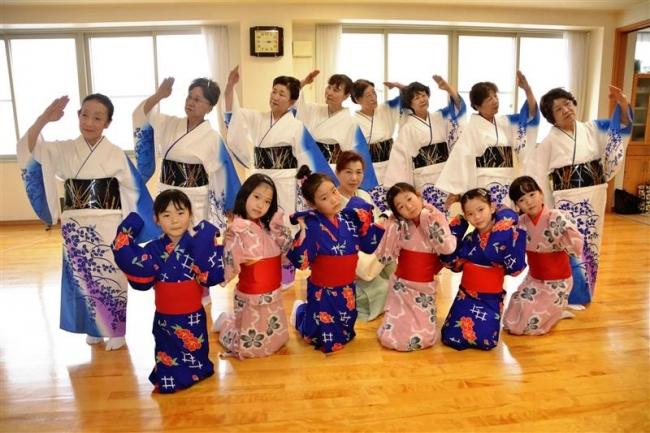 日本舞踊の発表会「花車の会」に向け練習