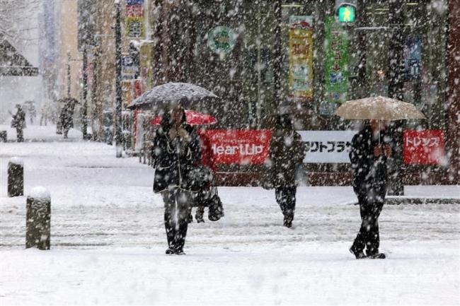 十勝荒天 雪景色 上札内21センチ、帯広7センチ