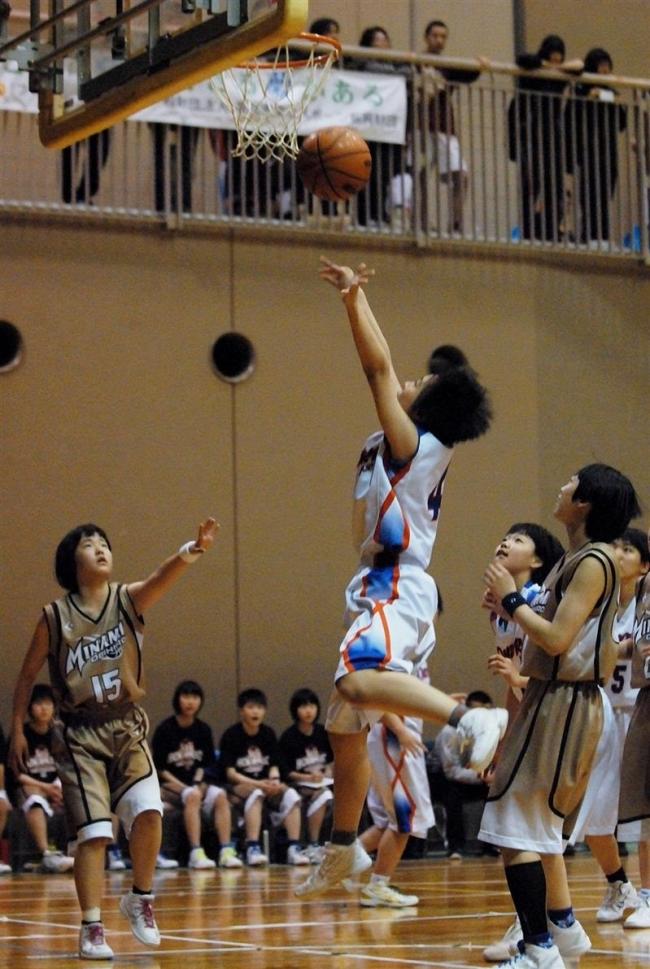 大空女子、帯南町男子V 市中学春季バスケ