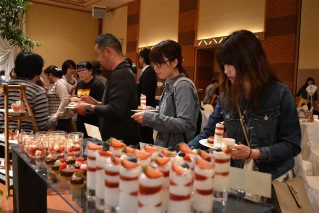 イチゴのスイーツ堪能 北海道ホテルでイベント