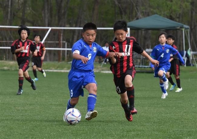 勝毎杯U12サッカーリーグ開幕 38チーム熱戦