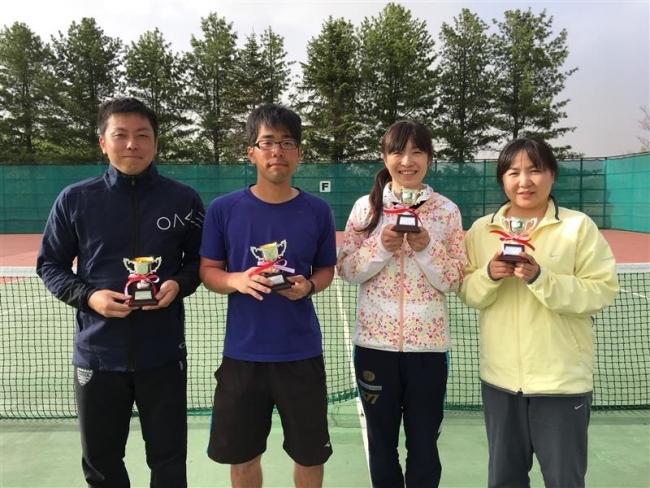 曽根・志部谷、佐々木・安達組Vハードコートテニス
