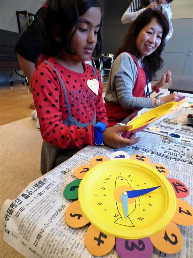 子どもたちが工作楽しむ キッズミュージアム