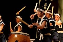 更別・かしわ太鼓25周年の成果披露 東松島のコーラスと共演