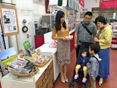 ワイン城で長野県産特産品テスト販売 池田 相互交流めざす