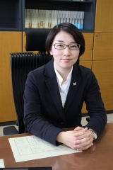 釧路地検帯広支部に初の女性検事 小川紀子支部長