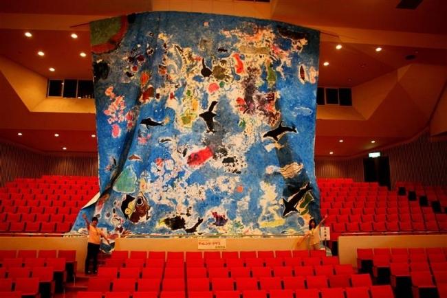 子どもたちの巨大絵展示 清水町文化センター