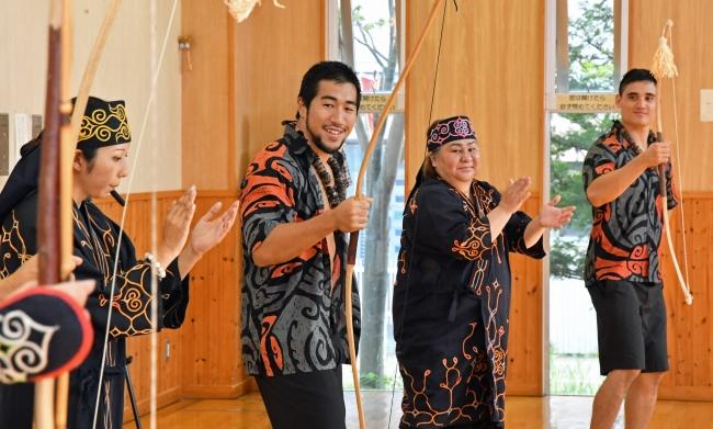カムイトウウポポ、ハワイ先住民と 伝統文化 交流の舞 初の招待