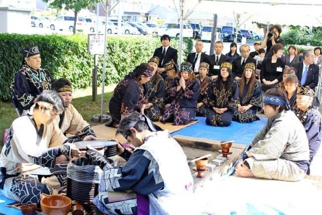 先祖に感謝し祈りささげる チョマトー慰霊祭