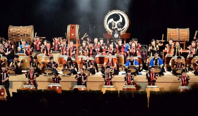 和太鼓松村組、圧巻の演奏 音更駒太鼓保存会40周年事業
