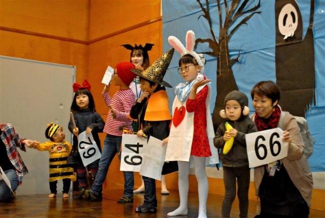 子どもたちが仮装楽しむ 森のハロウィーン