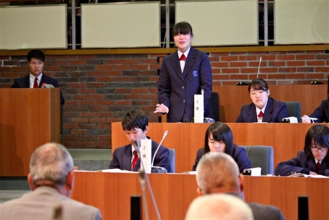 大樹高生が町長に質問 町花コスモス活用提案