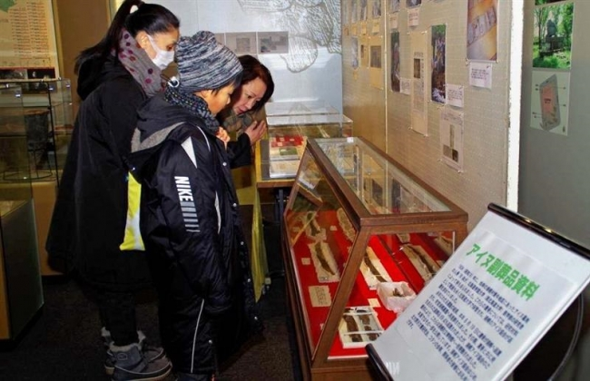 浦幌博物館1日展示 アイヌ副葬品や廃駅備品に注目
