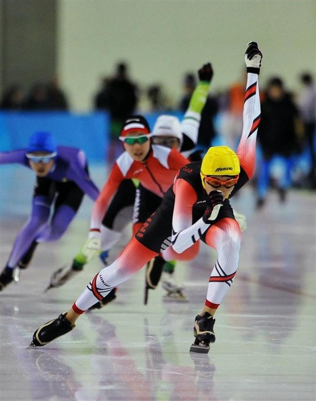 大道ら首位で予選通過、軍司ら2位 道中学スケート