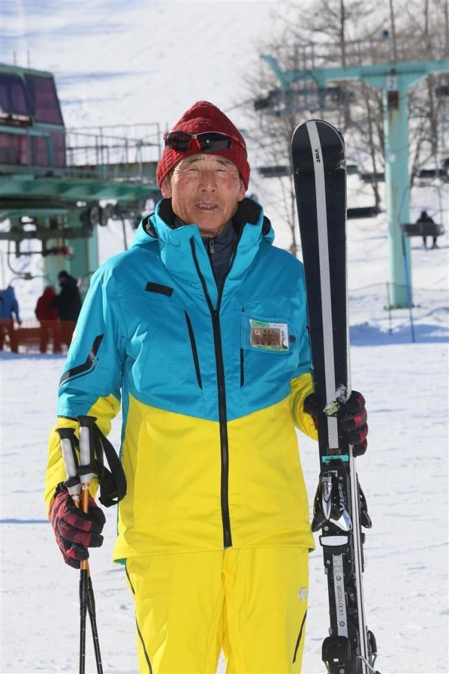 傘寿の高森さん 現役でスキー指導行う
