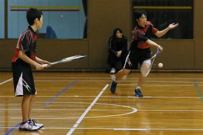 窪田・武田組初優勝、B級室内ソフトテニス男子
