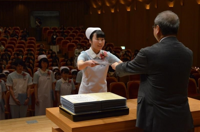 帯広看護専門学校で卒業式