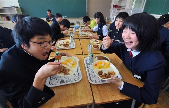 最後の給食、特別にもう一品 帯広市内中学校