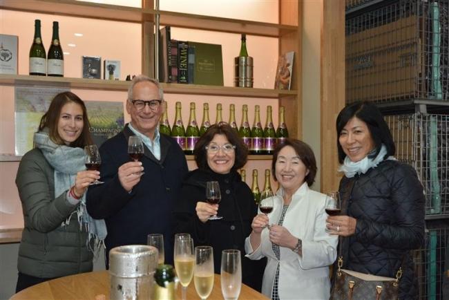 世界的ワイナリーのオーナー親子ら来勝 十勝ワイン堪能