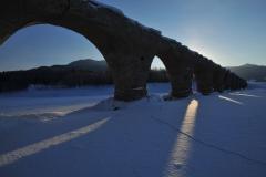 輝く幻のタウシュベツ橋梁、姿現す 上士幌    写真3