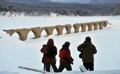輝く幻のタウシュベツ橋梁、姿現す 上士幌    写真5