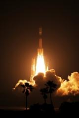 「こうのとり」6号機の打ち上げ(2016年12月9日、三菱重工、JAXA提供)