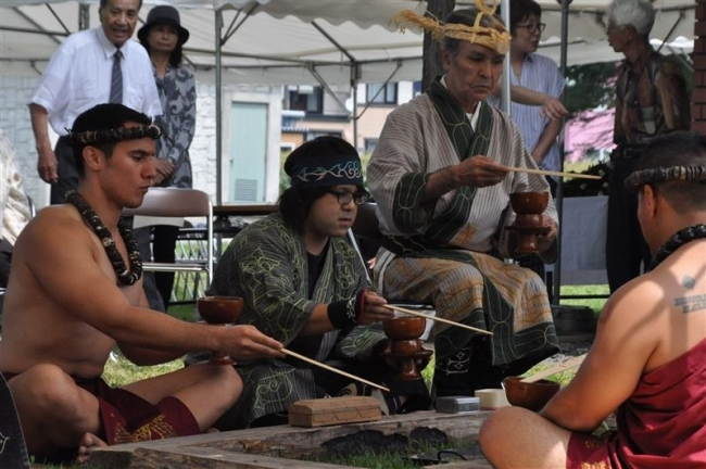 ハワイ先住民も参加 帯広でアイヌ・イチャㇽパ