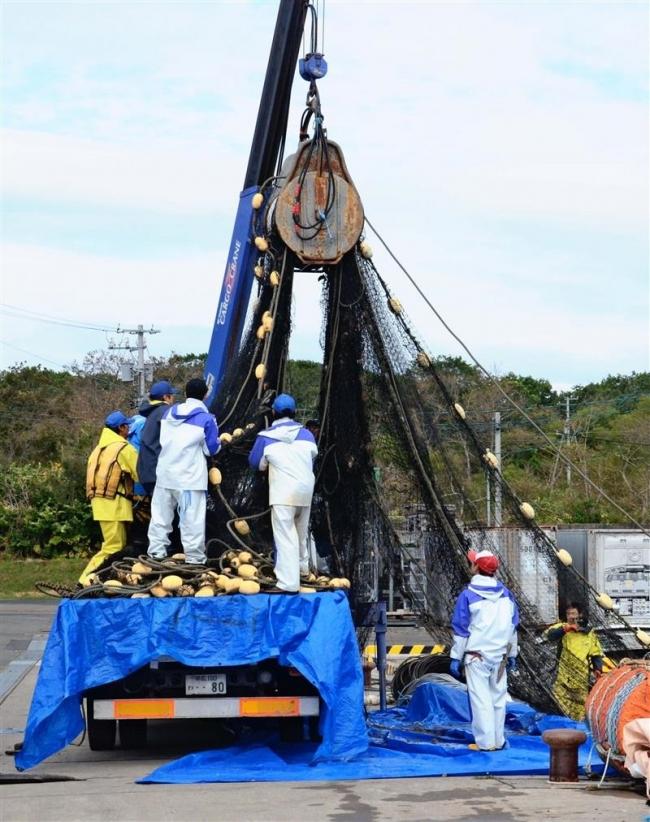 台風備え漁具撤去 管内沿岸