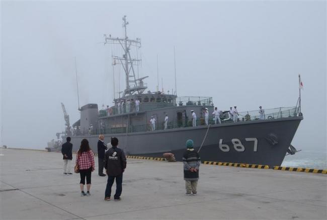 掃海艇いずしま十勝初入港 9日まで一般公開