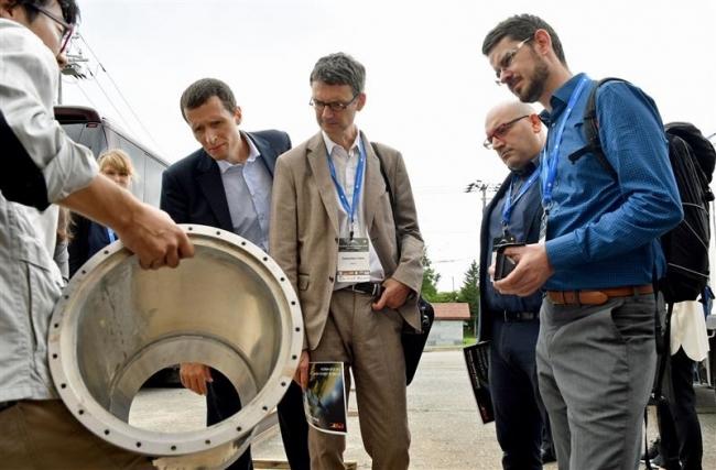 欧州関係者がIST視察 宇宙ビジネスウィーク