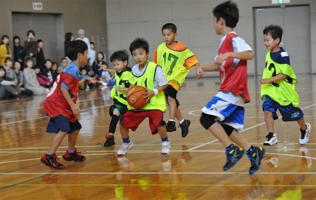 子どもら230人プレー、ミクロミニチャレンジバスケ