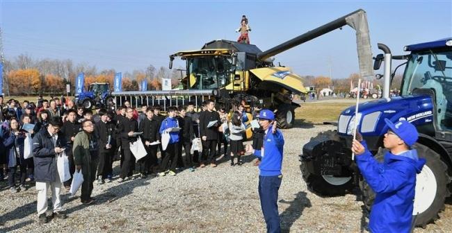 十勝農協連、「スマート農業」の展示会