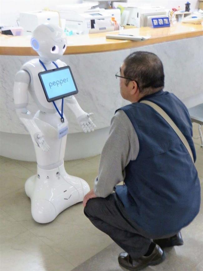 多目的ロボット「ペッパー」を試験導入 帯広協会病院