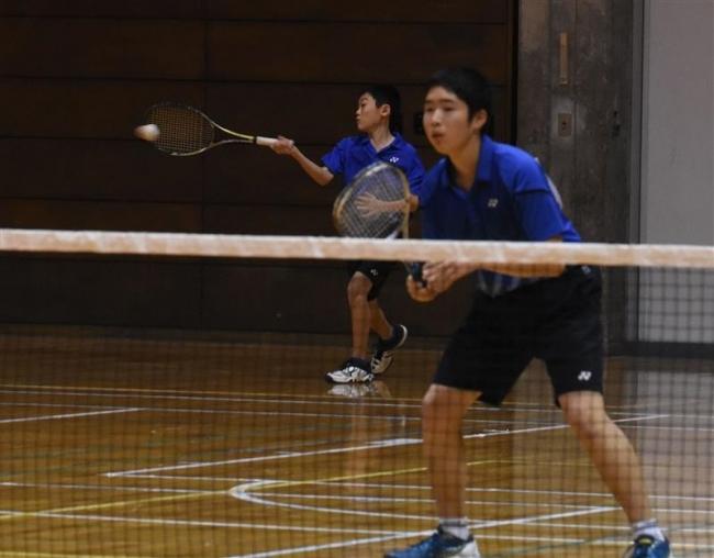 佐藤久保田組 男子は窪田武田組V 中学室内ソフトテニス