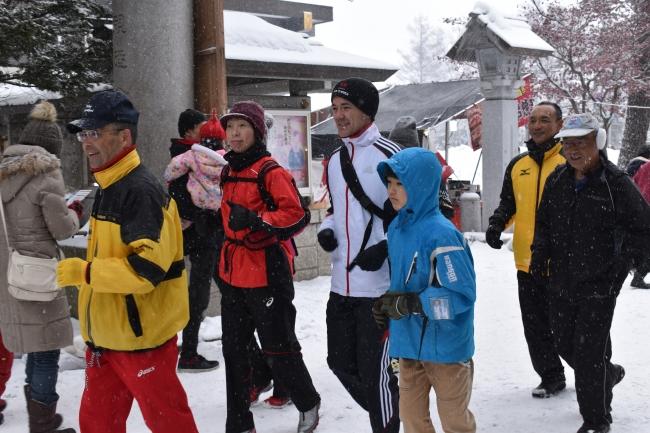 雪の中 恒例の「元旦マラソン」 楽走会