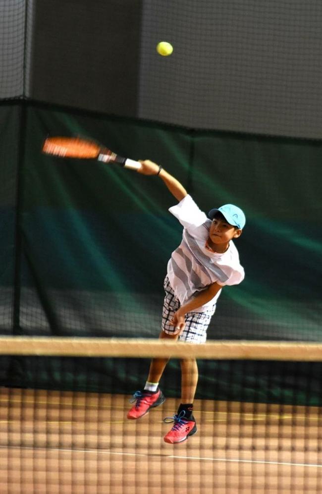 観野4年連続V女子の側は2年連続、Jr.テニス道東予選