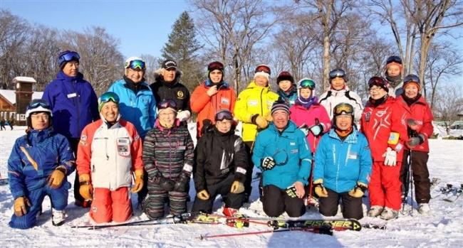 大原氏代表のシニアスキークラブABC、メムロで研修