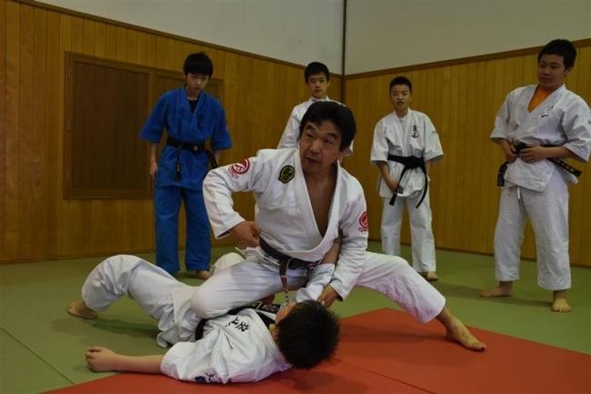 ブラジリアン柔術 中井さんから寝技学ぶ 大道塾帯広支部