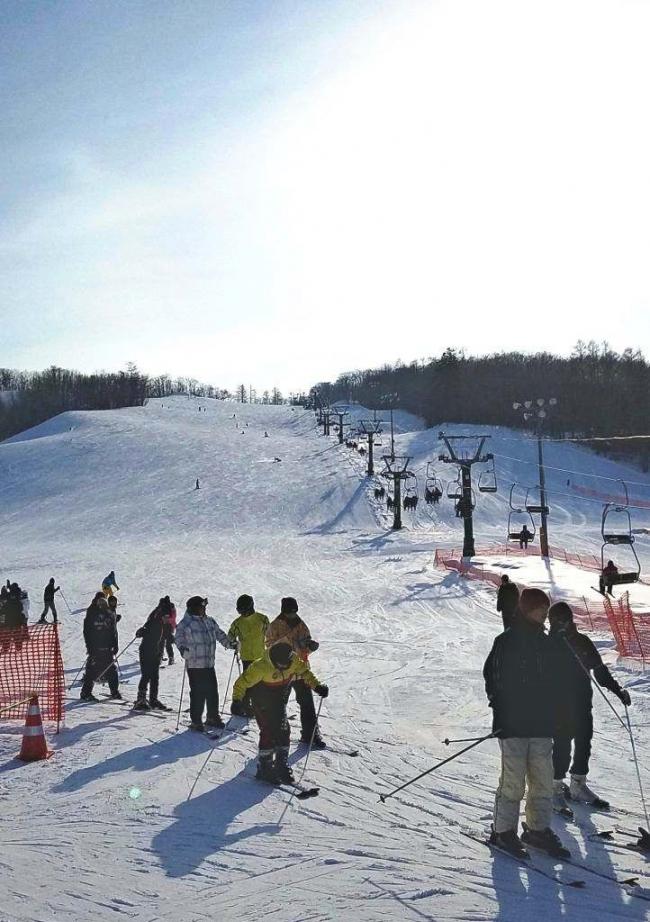 白銀台スキー場好調 企画奏功しリフト利用37%増