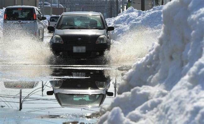 気温上昇で悪路に拍車 市に排雪の苦情など250件