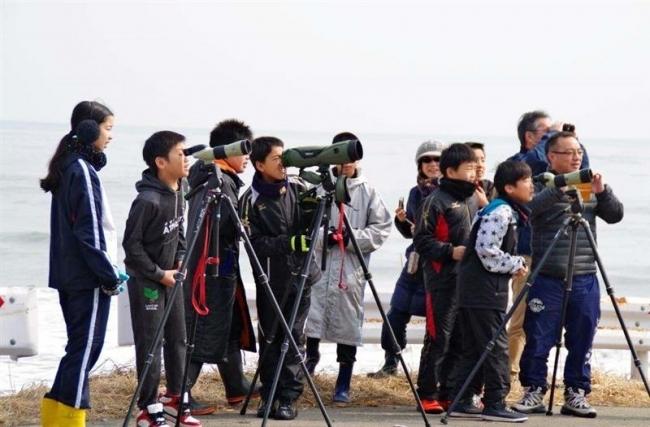 浦幌小6年生が野鳥観察
