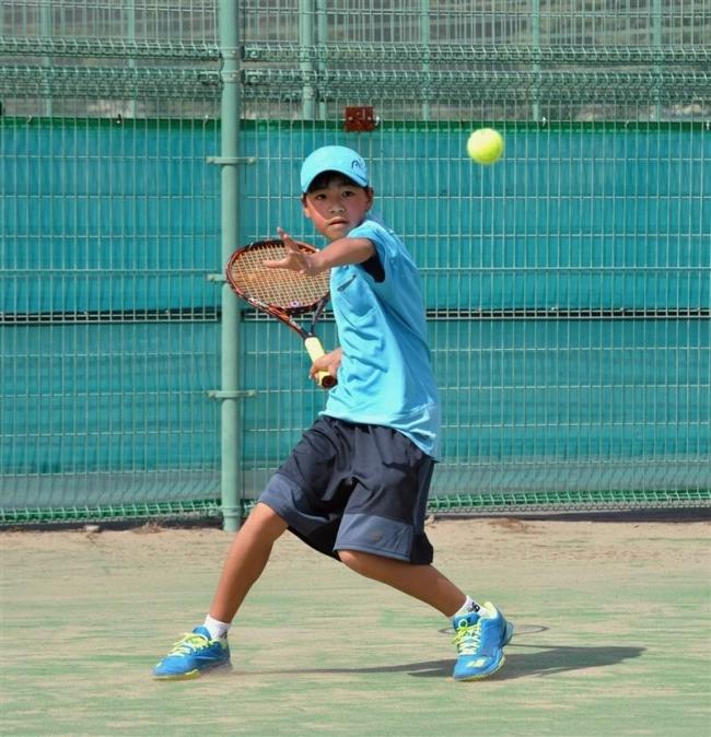 18歳以下男子観野、女子は森下V 全十勝Jr.テニス